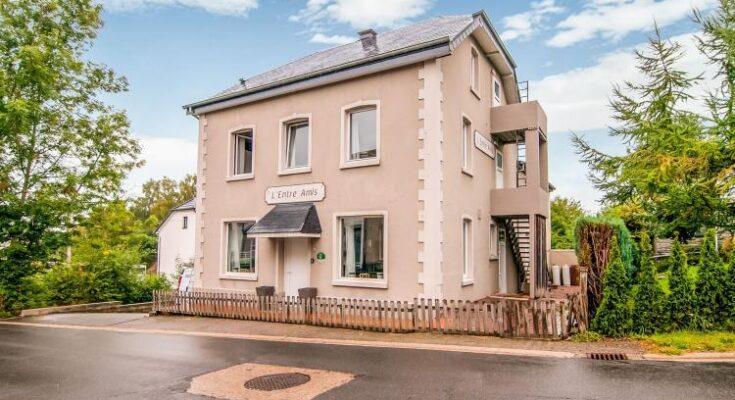 Entre amis - BE-6112. Landhuis  - Prijsvoorbeeld € 842 per week