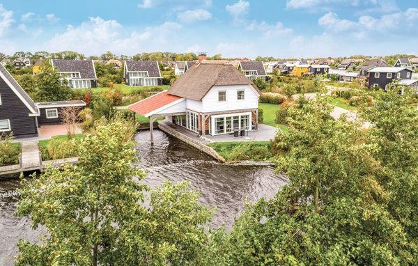 Schiphuis Luxe 6p. - NL-13706